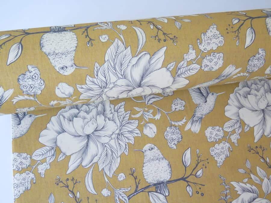 Tela tapiceria estampada lua amarilla