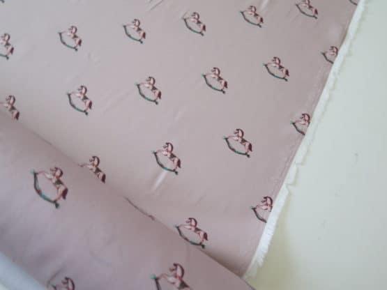 tela viyela caballitos rosa